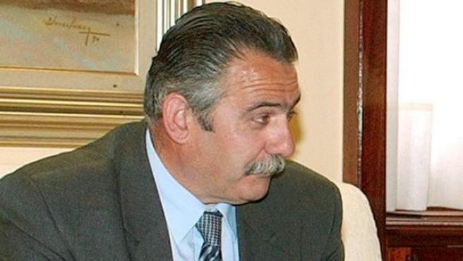 Fotografía de archivo (25/05/2005, en Murcia) del alcalde de la localidad de Aledo, Simón Alcaraz.