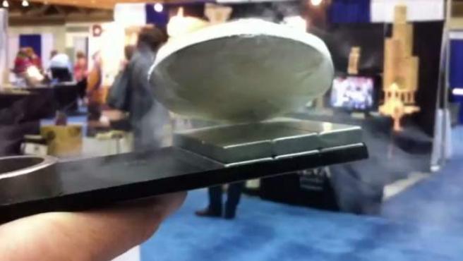 Demostración de levitación cuántica.