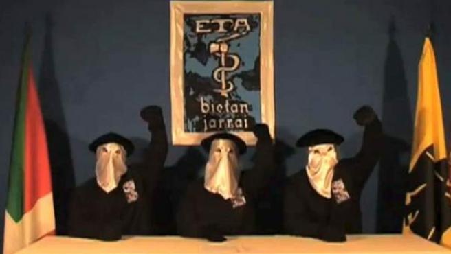 Imagen de archivo de tres miembros de ETA.