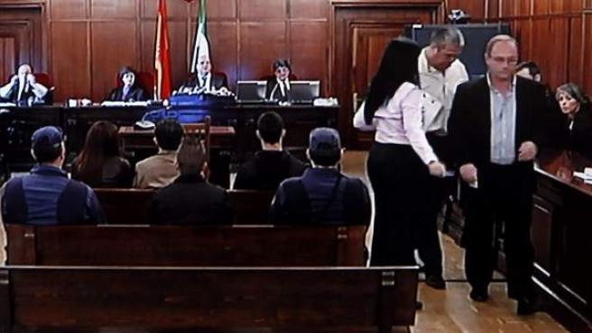 Imagen tomada de monitor de la sala de prensa de la Audiencia de Sevilla, durante la declaración de Antonio del Castillo.