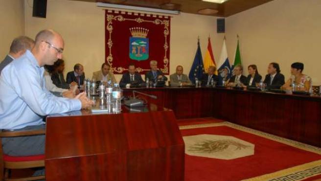 La Mesa Del Parlamento Visita El Hierro