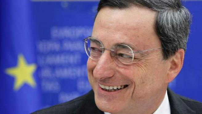 El italiano Mario Draghi sustituirá al francés Jean Claude Trichet al frente del Banco Central Europeo.