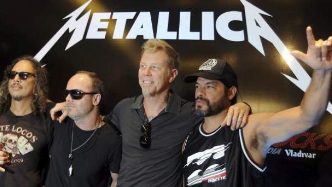 Los componentes de Metallica en la rueda de prensa dada a su llegada a Nueva Delhi.