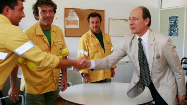 Consejero De Medio Ambiente, José Juan Díaz Trillo, Con Trabajadores Del Infoca