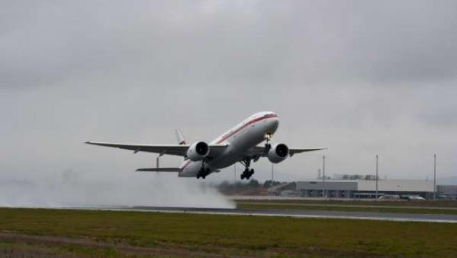 Un avión despega del aeropuerto de Ciudad Real