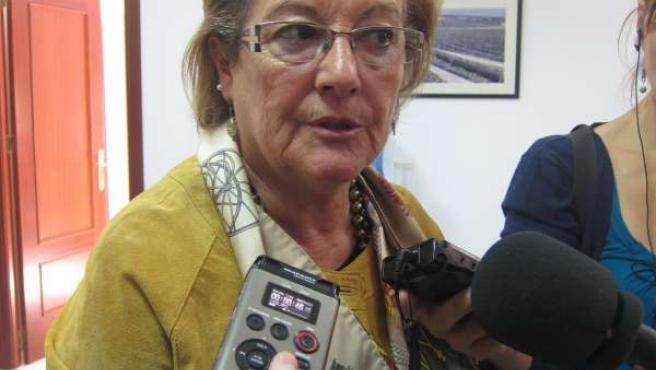 La Cabeza De Lista Al Senado Del PSOE De Huelva, Petronila Guerrero.