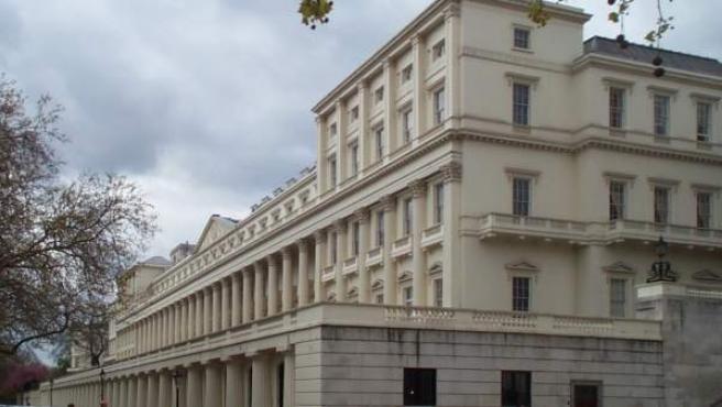Sede de la sociedad científica The Royal Society en Carlton House Terrace (Londres).