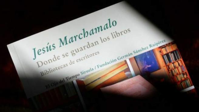 """""""El orden es a la vez el sueño y la pesadilla de todo el que tiene una biblioteca"""", sentencia el autor."""