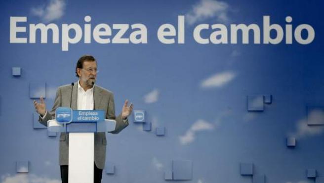 El presidente del Partido Popular y candidato a la presidencia del Gobierno, Mariano Rajoy, durante su intervención en un mitin celebrado en A Coruña.