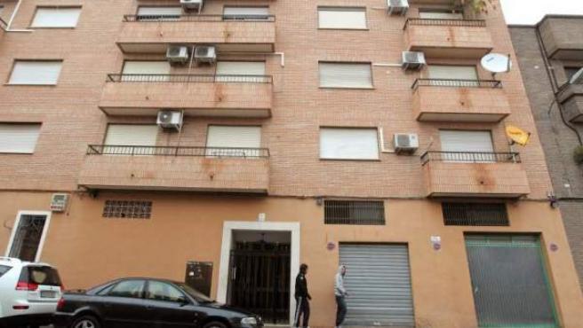 Imagen de archivo de la calle Poetisa Leonor Perales, donde tres personas murieron a manos de un vecino de la zona.