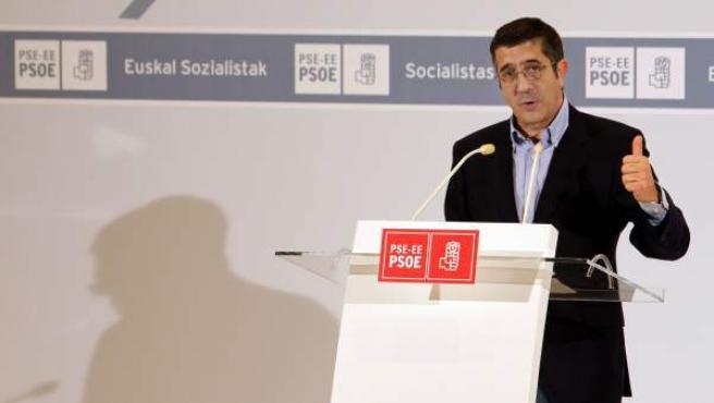 El lehendakari Patxi López, en un mitin de su partido en Bilbao.