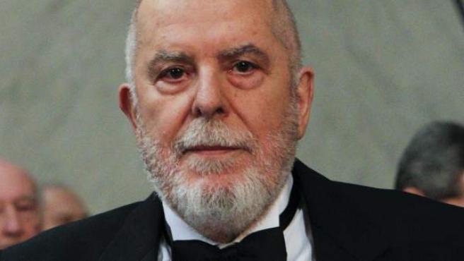 El latinista Juan Gil Fernández, en el momento de pronunciar su discurso de ingreso en la Real Academia Española, con el título 'El burlador y sus estragos'.