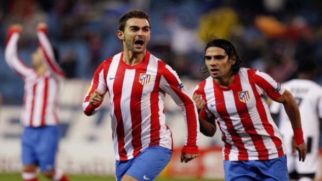 Adrián y Falcao celebran un tanto del español ante Udinese.