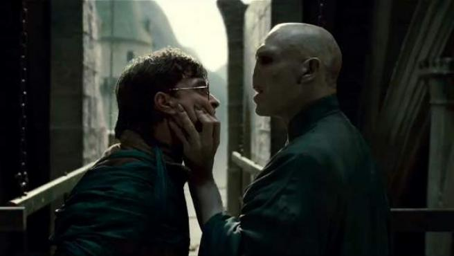 Harry Potter, cara a cara con su 'némesis', Lord Voldemort.