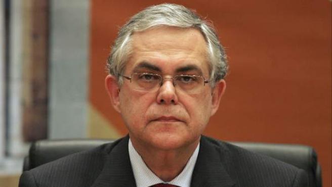Foto de archivo tomada el 8 de mayo de 2008 de Lucas Papademos.