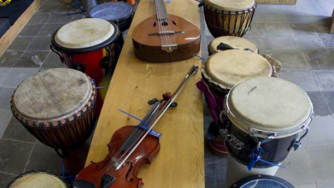 Algunos de los 168 instrumentos decomisados.