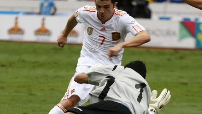 Villa, ante Navas en el amistoso Costa Rica - España.