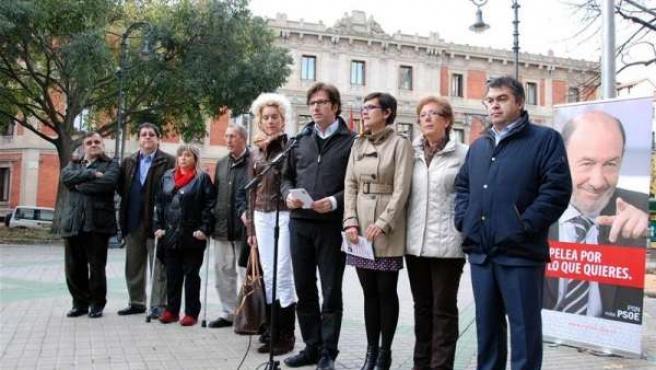Candidatos Y Dirigentes Del PSN En El Paseo De Sarasate.