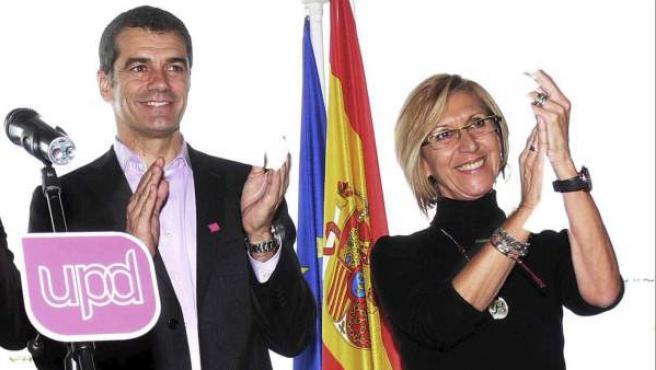 Rosa Díez y Toni Cantó durante un acto de campaña de UPyD en Valencia.