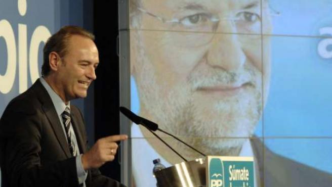 Alberto Fabra en una imagen de archivo durante un mitin del PP