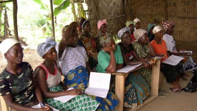Mujeres Africanas Reciben Ayuda De Las ONGD Andaluzas