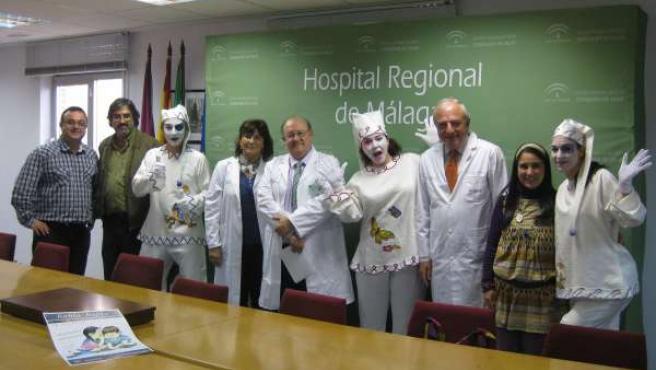 Mimos Con Personal Sanitario Del Hospital Carlos Haya
