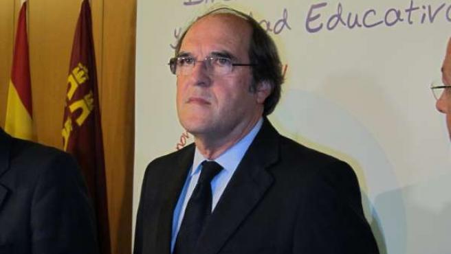 El Ministro De Educación En Funciones, Ángel Gabilondo