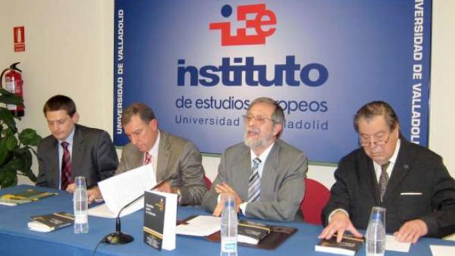 Juan José Mateos Y Marcos Sacristán En La Presentación Del Libro
