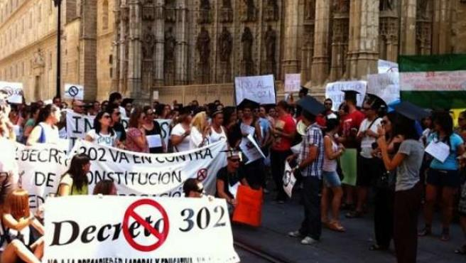 Manifestación De Interinos En Sevilla