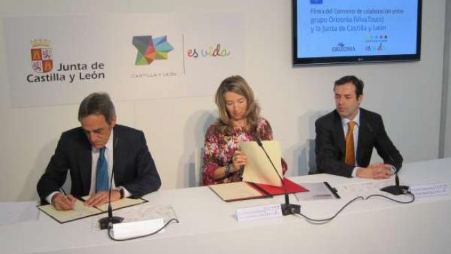 Firma Del Convenio Entre La Junta Y Vivatours (Orizonia)