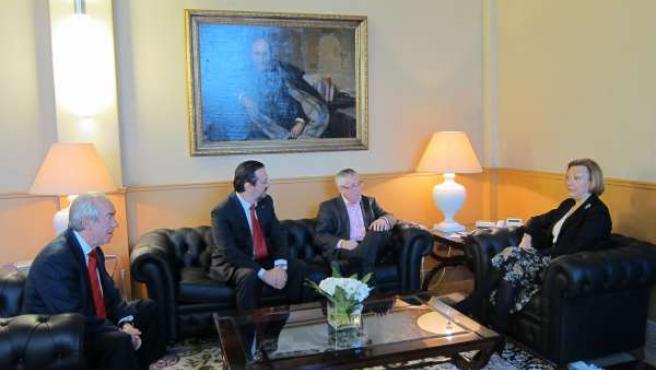 Reunión Entre El Gobierno De Aragón Y Comisiones Obreras