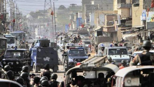 Imagen de archivo de un grupo de soldados paquistaníes vigilando una ciudad de Pakistán.