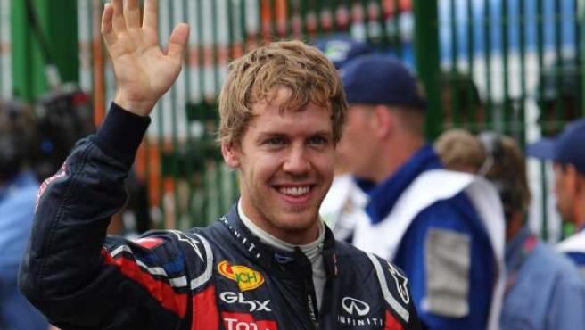 Sebastian Vettel, piloto de Red Bull, celebra su pole en el Gran Premio de Brasil.