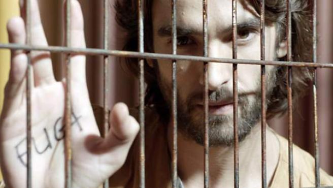 Una imagen de Aitor Luna en la serie de Telecinco 'La Fuga'.