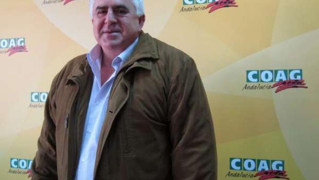 Miguel López.