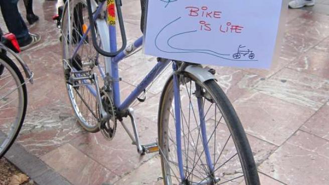 Imagen De Una De Las Bicicletas Durante La Concentración Reivindicativa