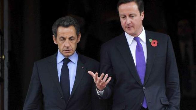 El primer ministro británico, David Cameron, y el presidente de Francia, Nicolas Sarkozy en una imagen de archivo.
