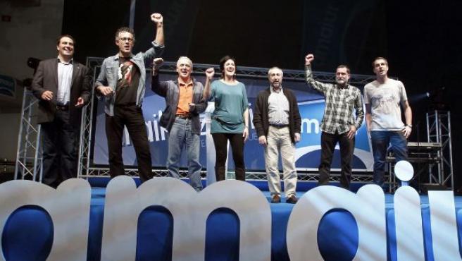 Miembros de Amaiur celebrabando los resultados obtenidos por su formación política en las elecciones generales del 20-N.