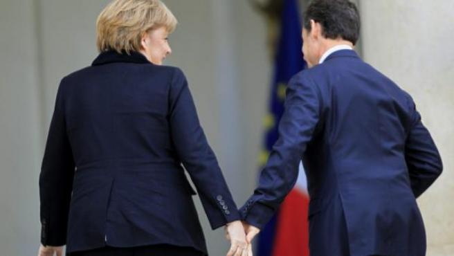 La canciller alemana, Angela Merkel, y el presidente francés, Nicolas Sarkozy.