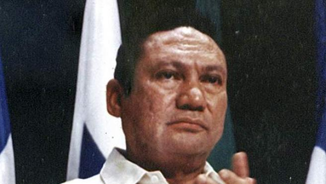 El exdictador de Panamá, Manuel Antonio Noriega, en un acto en 1998.