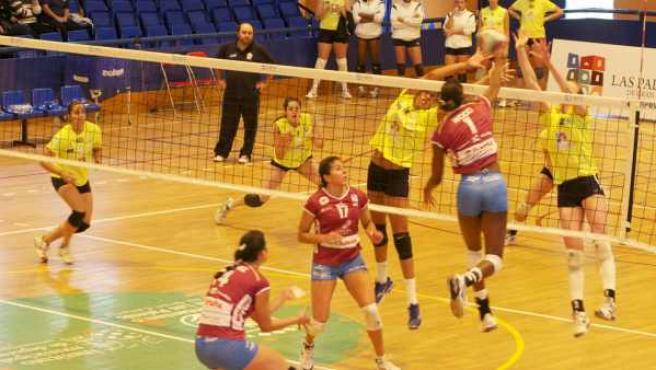 Partido entre CV Playa de las Canteras y Haro Rioja Vóley de la Superliga Femenina.