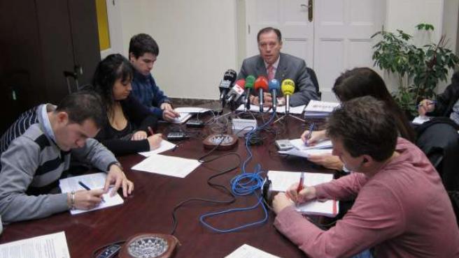 El Concejal De Ayuntamiento Presenta Los Criterios Del Presupuesto De 2012