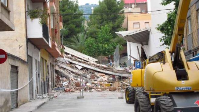 Imagen De Una Vivienda En Lorca Derribada Tras El Terremoto