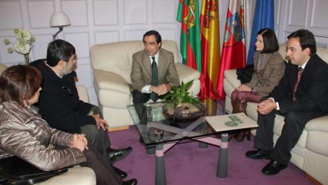 Reunión Alcalde Con Comerciantes Nueva Ciudad