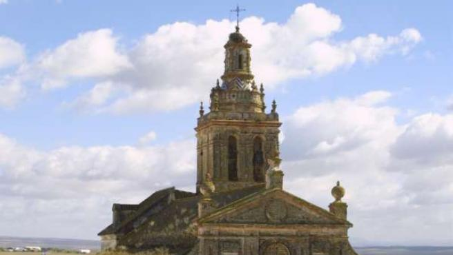La Parroquia De Santa María La Blanca, En Fuentes De Andalucía.