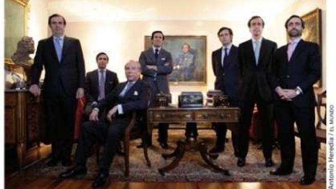 José María Ruiz-Mateos junto a sus seis hijos varones