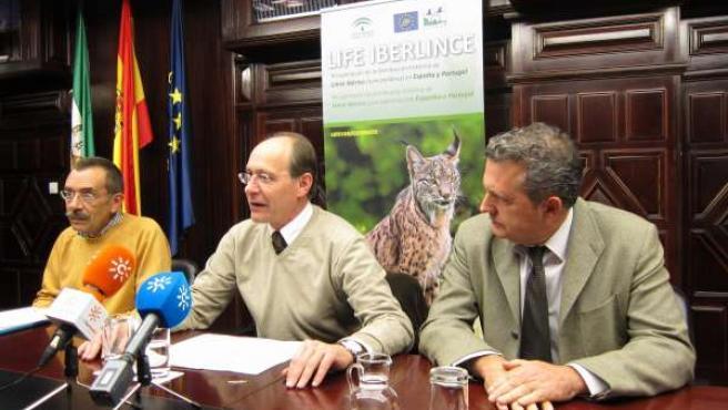 Miguel Ángel Simón, José Juan Díaz Trillo Y Javier Madrid Presentan Censo Linces