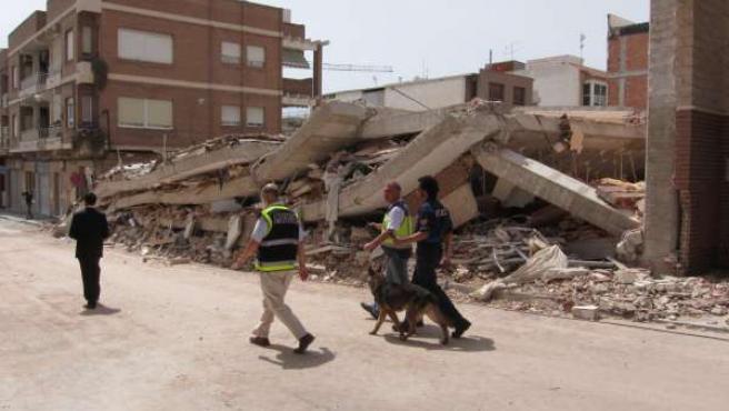 Casa Totalmente Derrumbada En Lorca Tras El Terremoto
