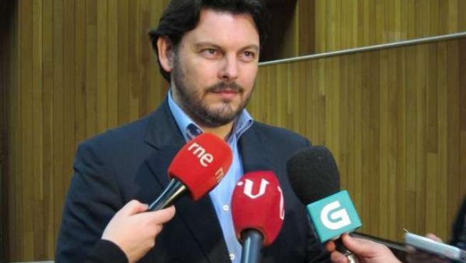 El Portavoz Del Ppdeg, Antonio Rodríguez Miranda, En Los Pasillos De La Cámara