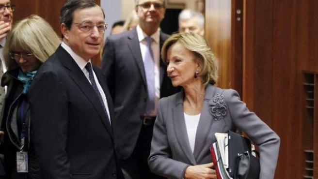 Elena Salgado con el presidente del BCE, Mario Draghi